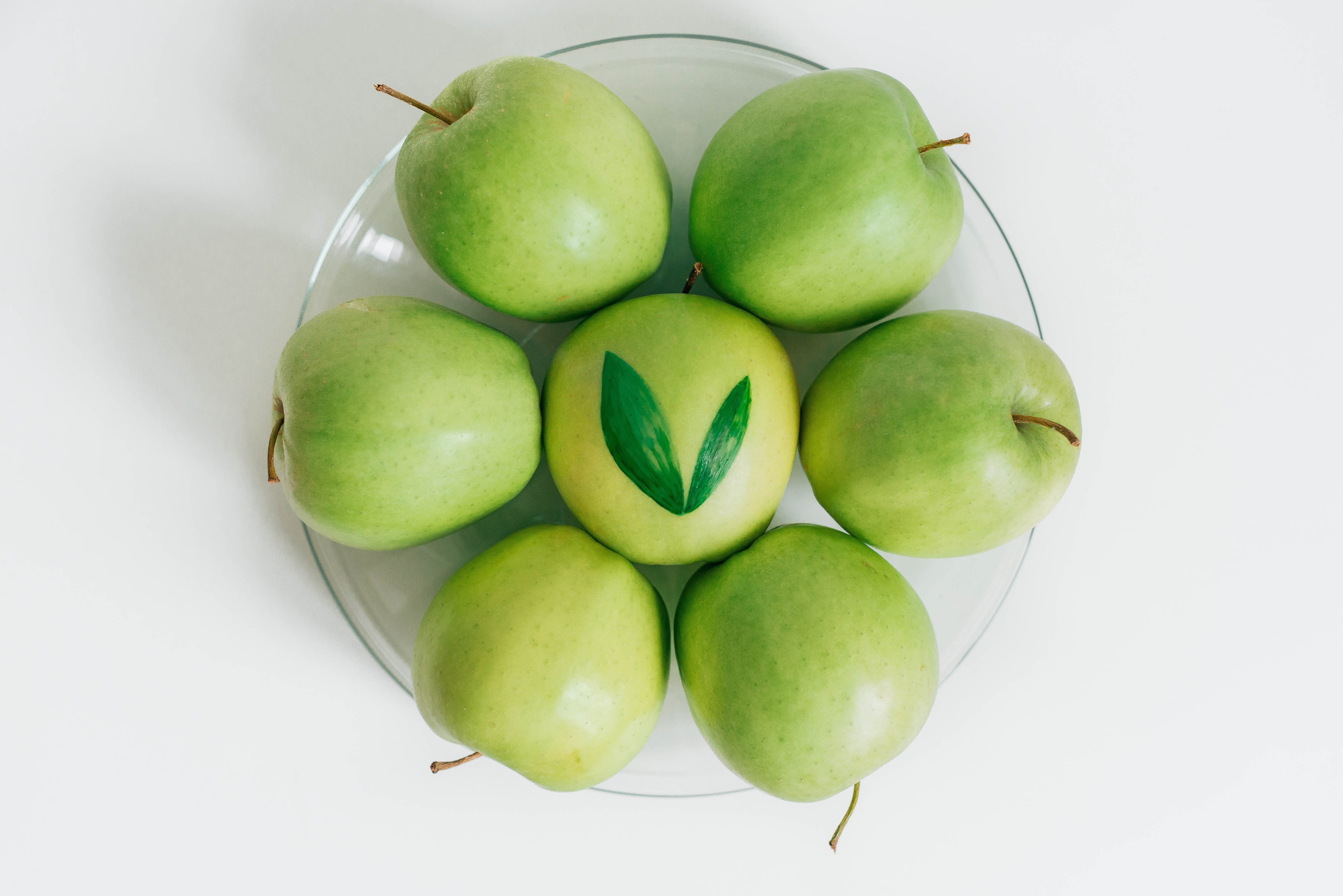 apples offer less vitamins than broccoli - a fact about nutrition