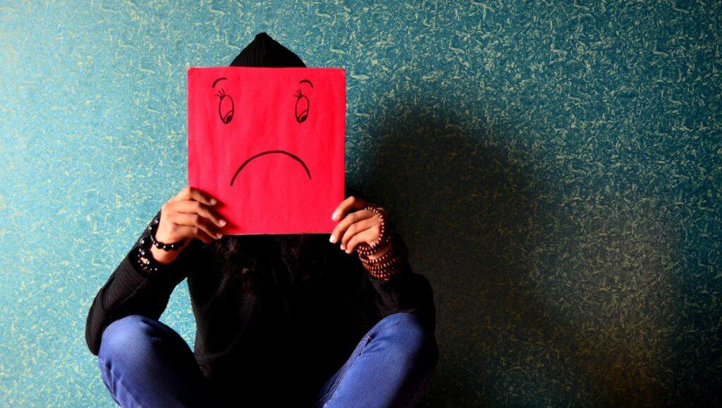 Chronischer Stress und seine Folgen können bis hin zu Depressionen führen