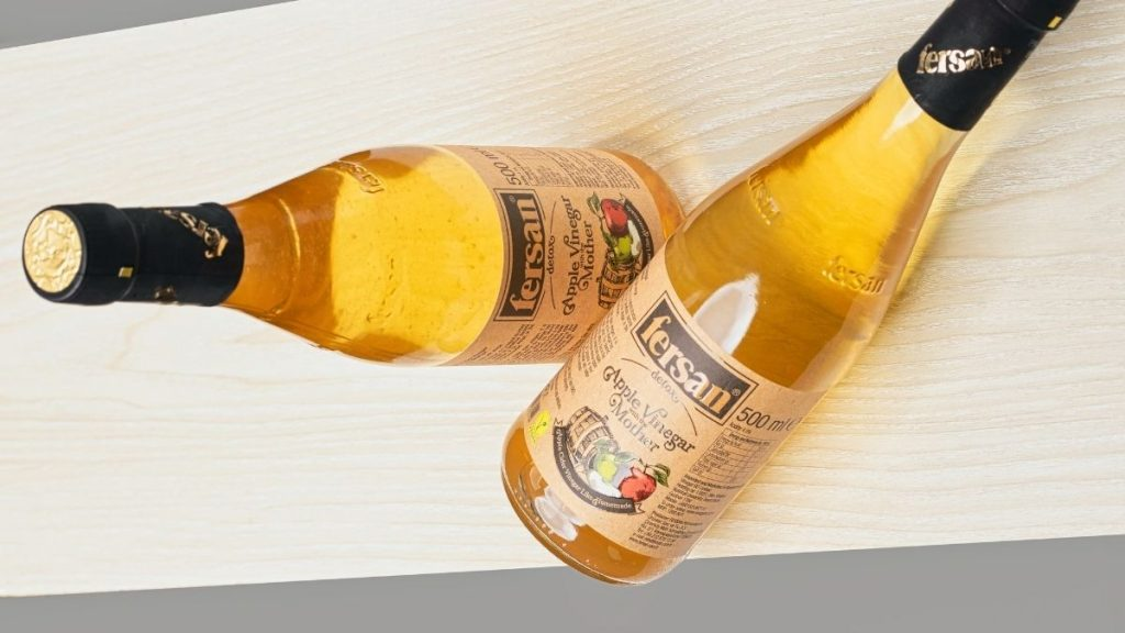 Read more about the article 12 Health Benefits of Drinking Apple Cider Vinegar (ACV)