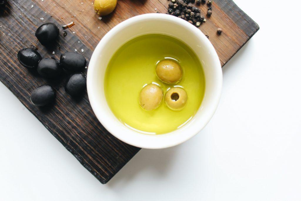 Oliven sind Keto-Snacks mit einfach ungesättigten Fettsäuren