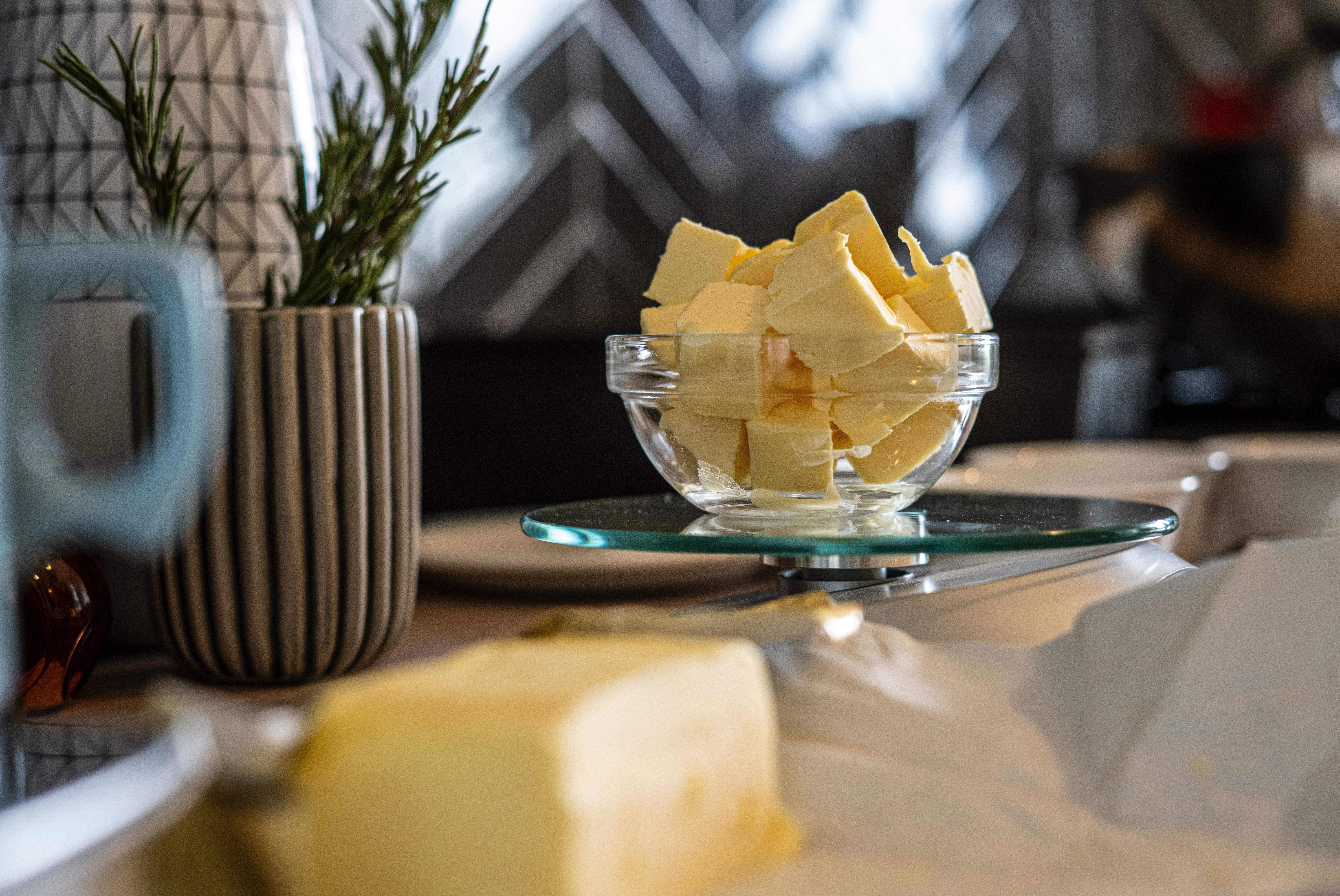 Warum Ghee statt Butter gesund ist