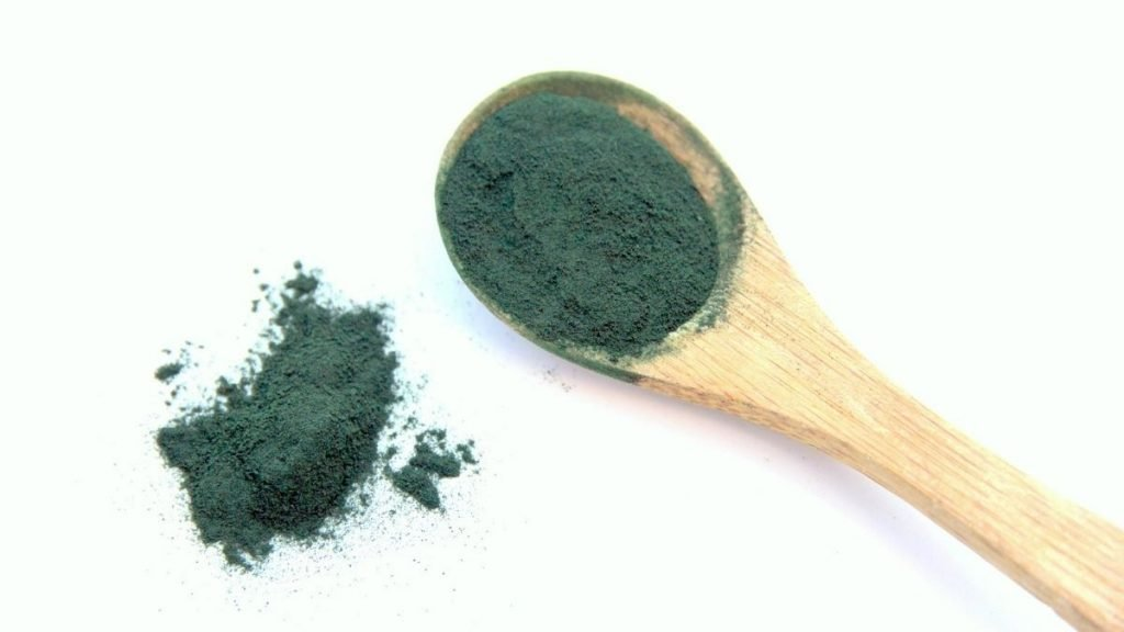 Read more about the article What Is Spirulina: 10 Health Benefits and 5 Side Effects