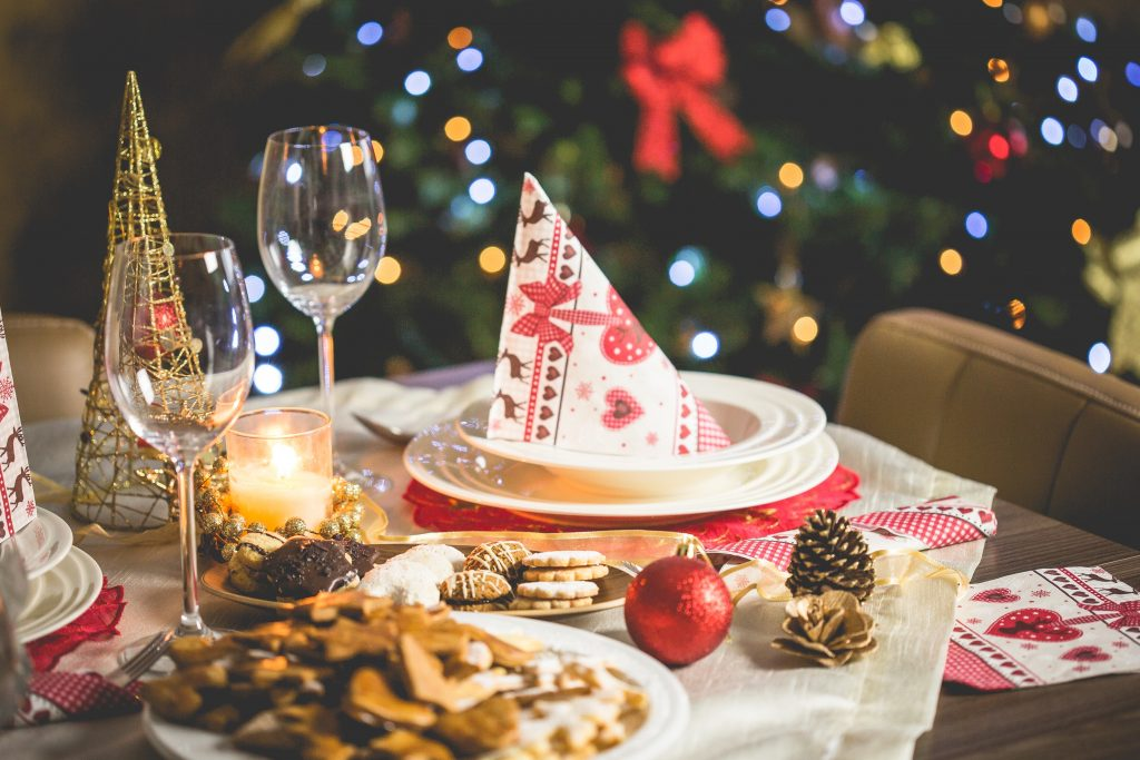 Intervallfasten minimiert die Auswirkungen von Weihnachtsfeiern