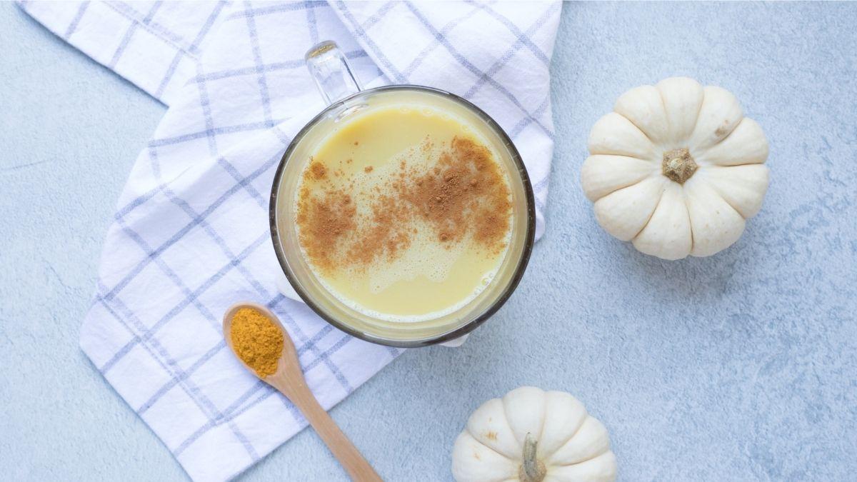 Goldene Milch: Wirkung, Erfahrungen, und einfaches Rezept
