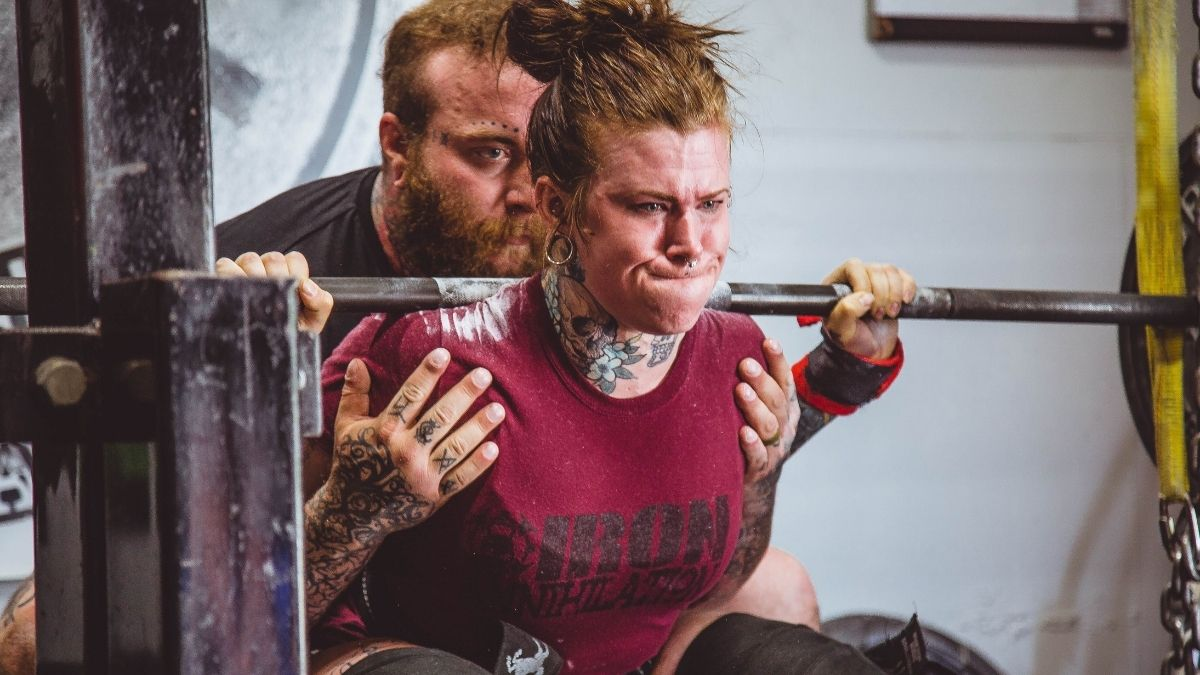 Intervallfasten kann beim Muskelaufbau helfen