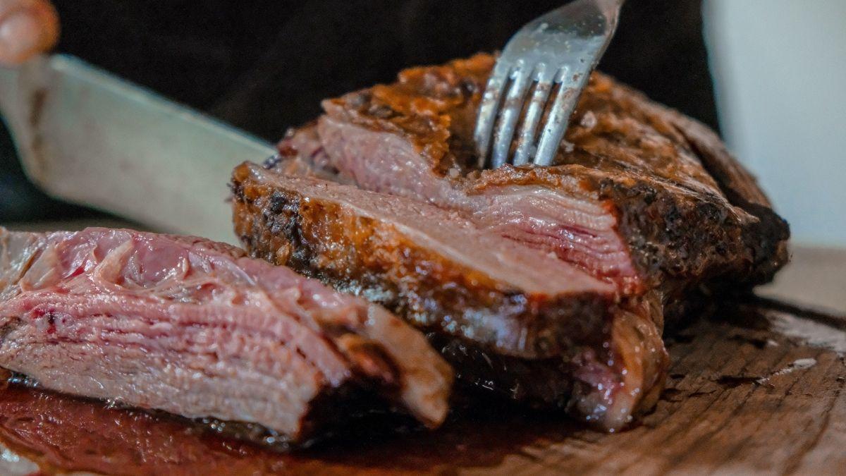 Sollten wir der Umwelt zuliebe weniger Fleisch essen?