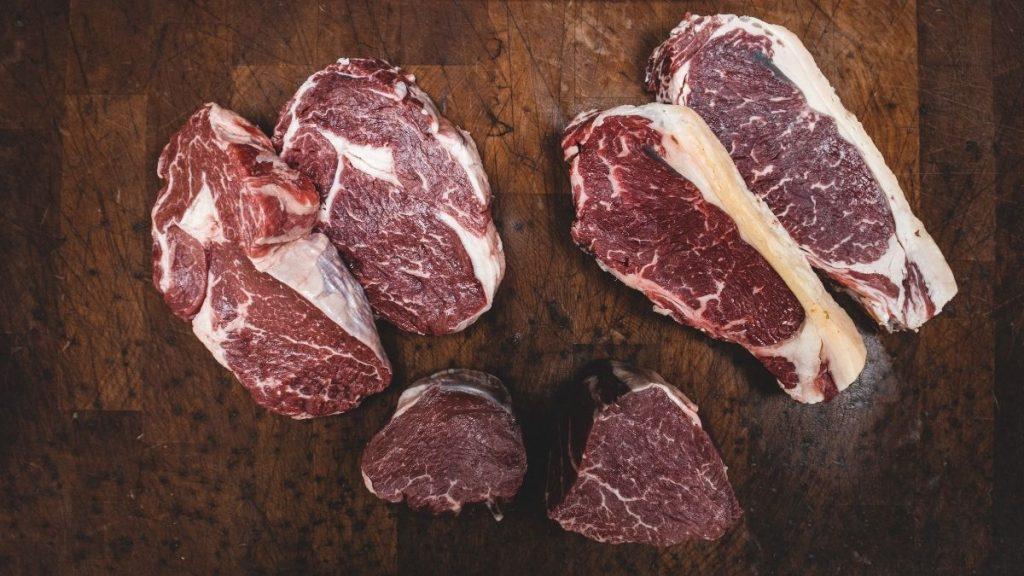 Read more about the article Carnivore Diät: Plan, Vorteile und Erfahrungen mit Zero Carb