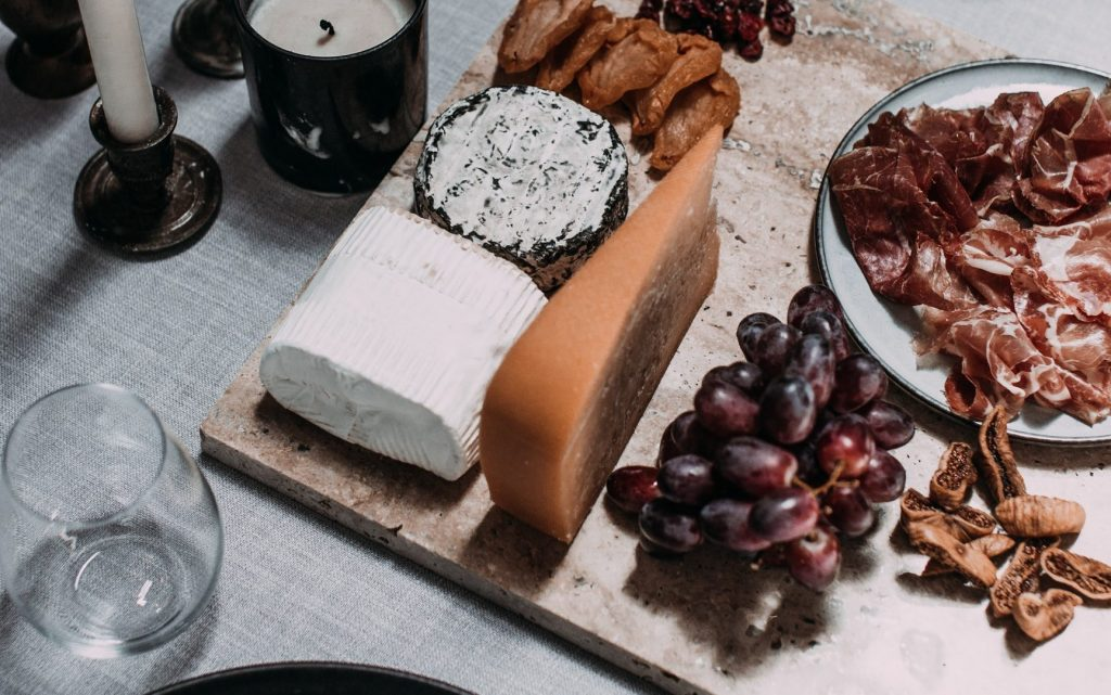 Cheese is foods rich in vitamin A