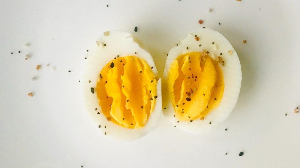 Hard-boiled eggs are easy keto snacks