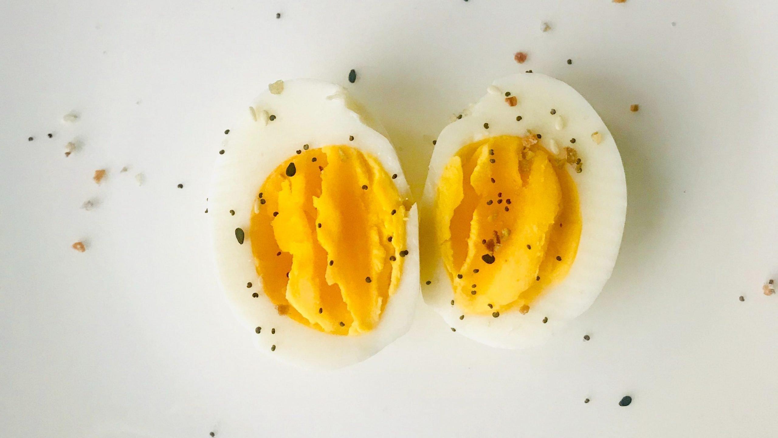 Hartgekochte Eier sind einfache Keto Snacks