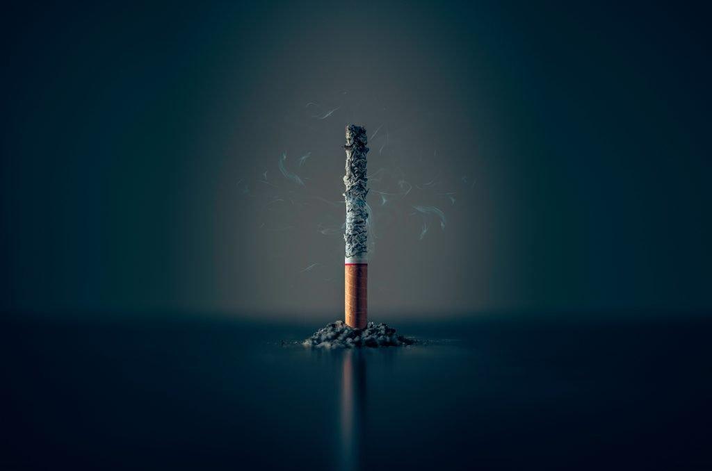 Bricht das Rauchen einer Zigarette das Fasten?