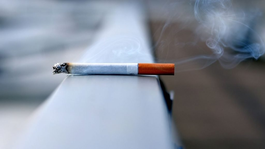 Read more about the article Does Smoking During Intermittent Fasting Break Your Fast?