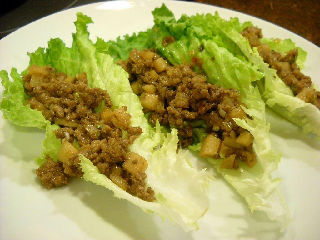 Salat-Wraps sind ein einfacher Keto-Snack