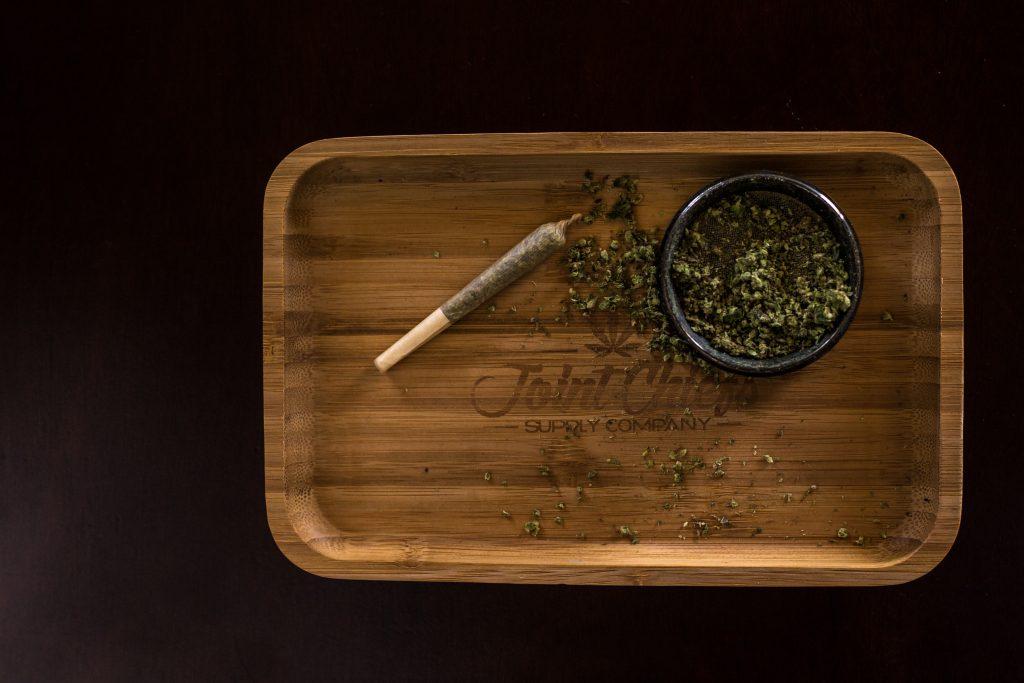 Das Rauchen von Marihuana unterbricht das Intervallfasten nicht
