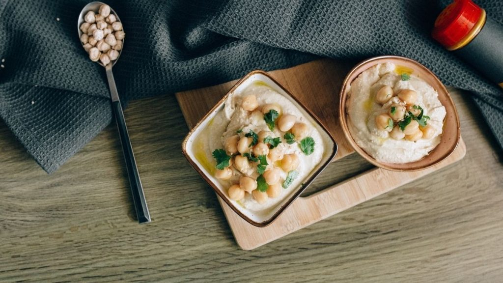 Read more about the article Kohlenhydrate in Hummus: Ist er Low-Carb und Keto-geeignet?